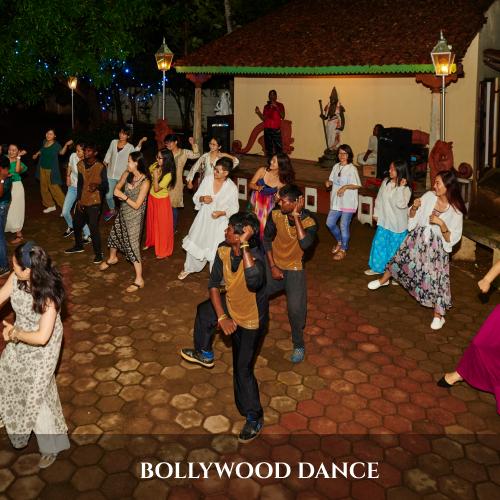 BOLLYWOOD DANCE (1)